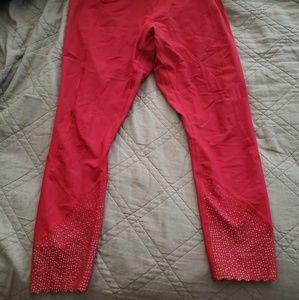 Lululemon Scalloped Bottom leggings